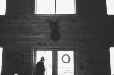 Knotty Pine Lodge Wedding Photography | Jeremy and Elizabeth