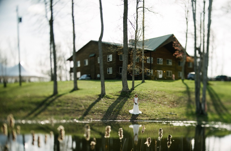 knotty pine lodge wv wedding photo