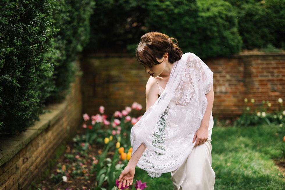 english garden boudoir photo