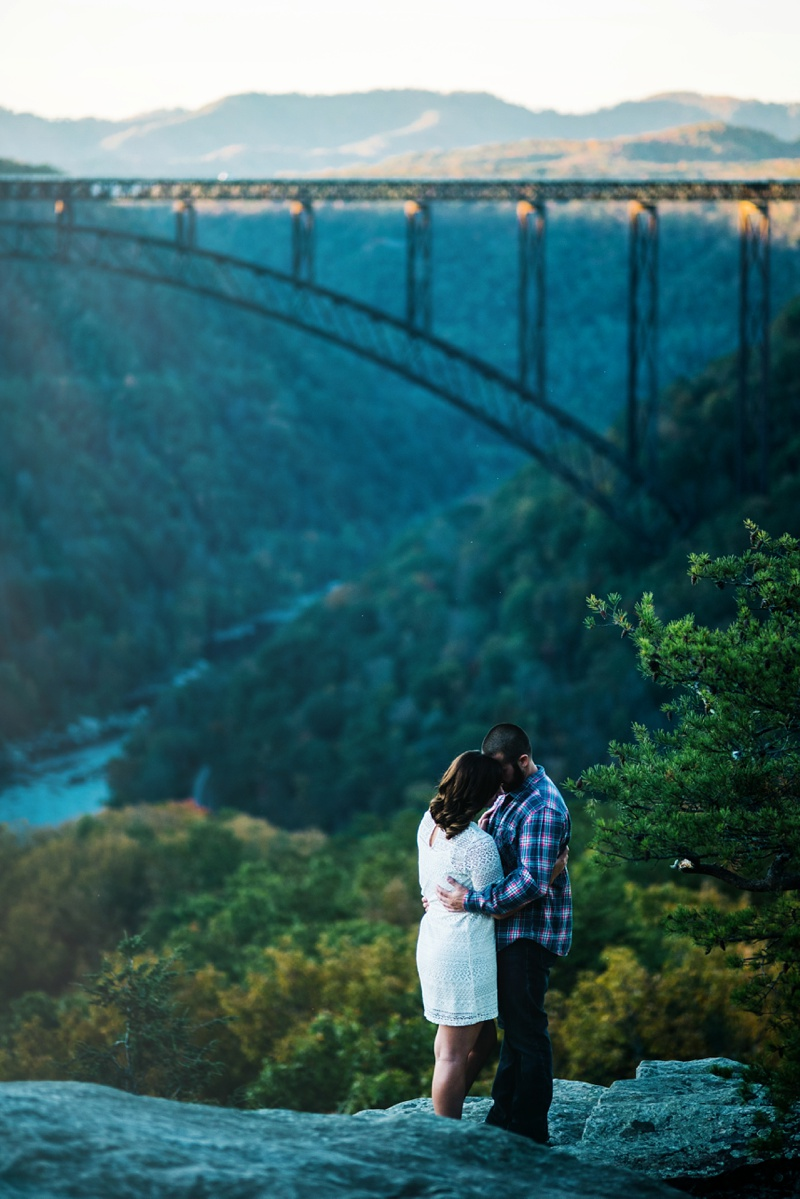 engagement photo at the new river gorge