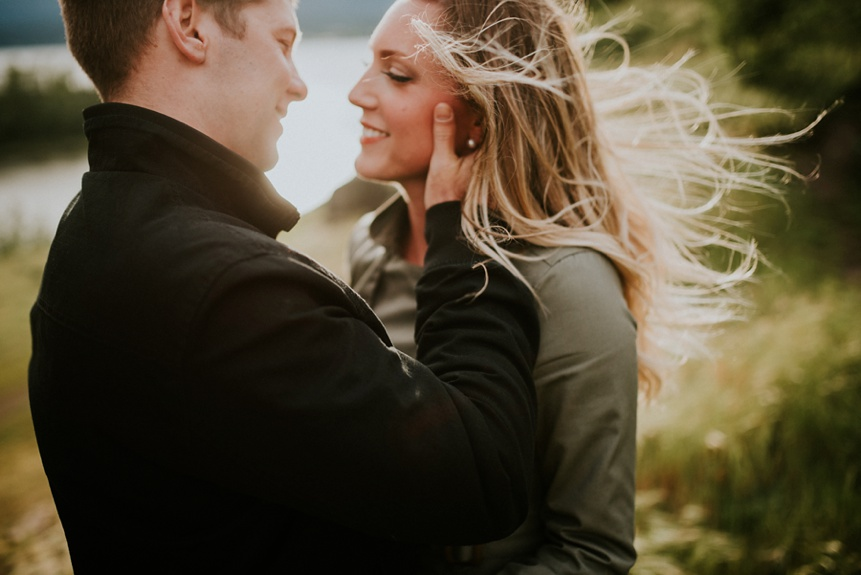 oregon engagement photographers