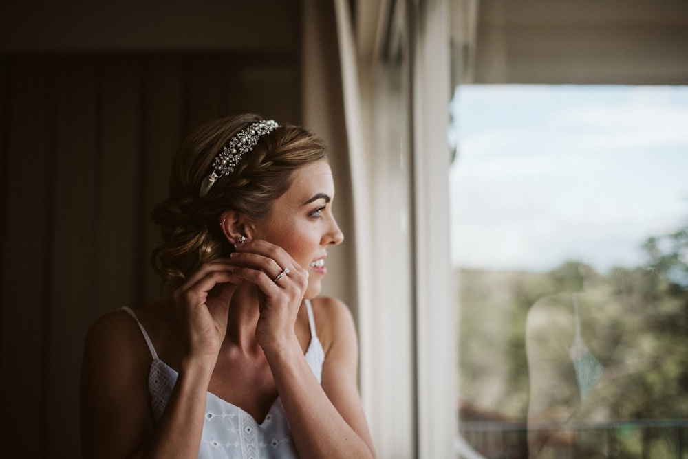getting ready for your wedding at hotel la mariposa photo