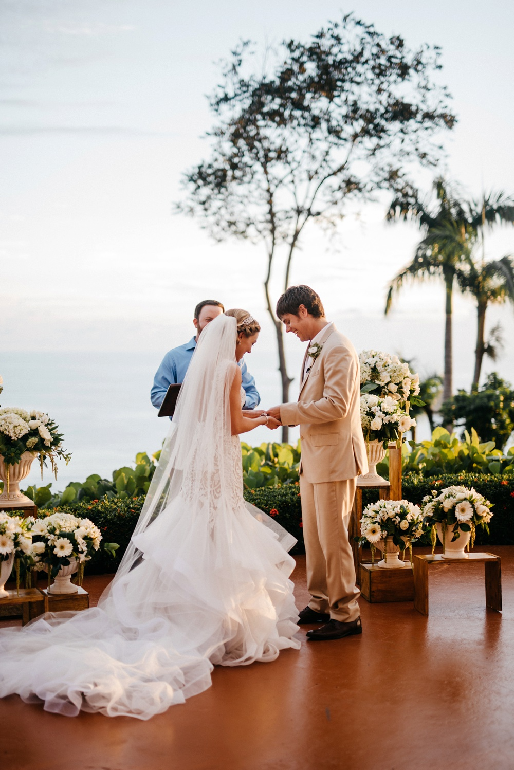wedding vow exchange at hotel la mariposa