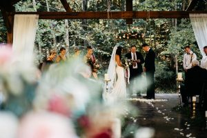 ceremony photo at four fillies lodge in wv