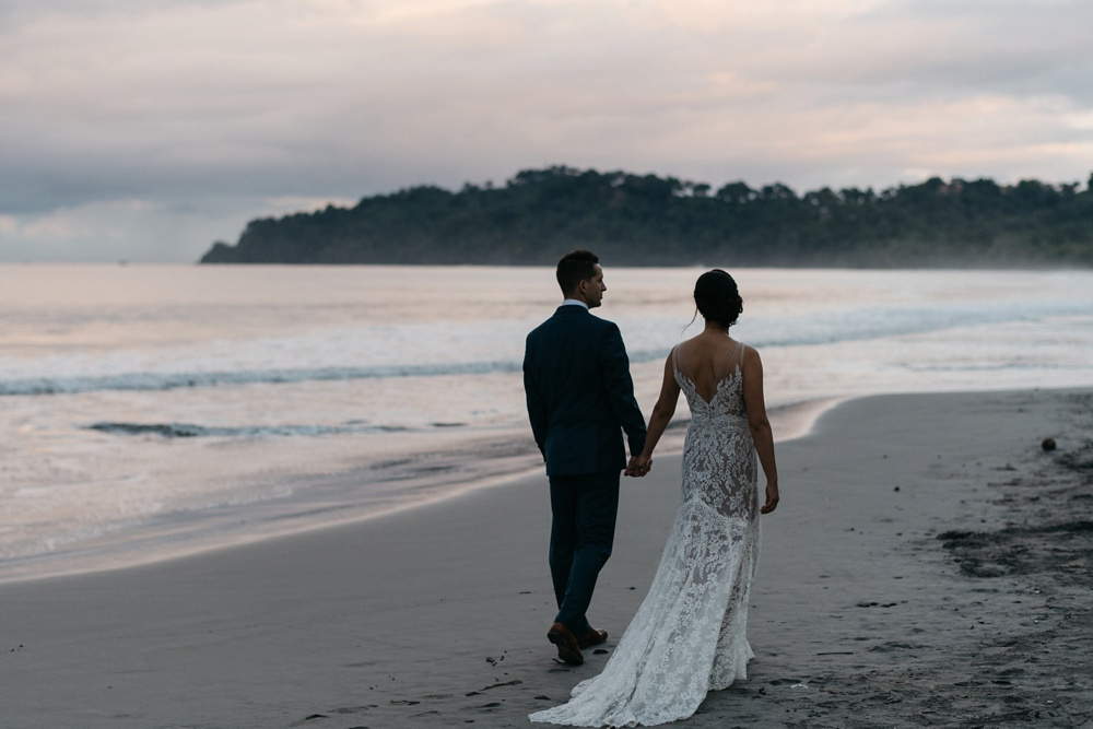 wedding photos in manuel antonio costa rica