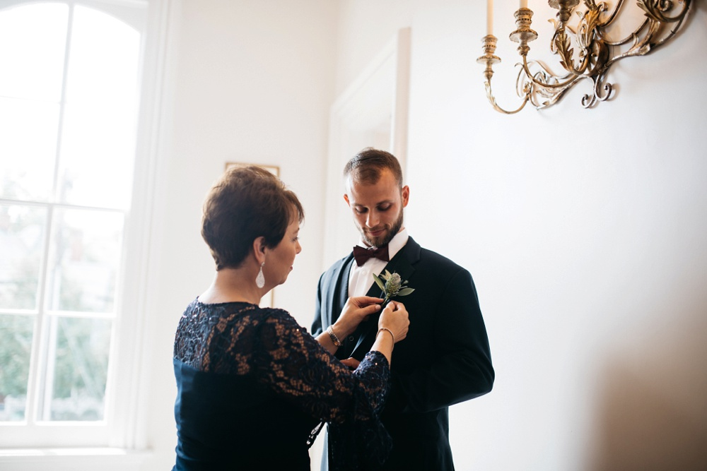 groom gets ready at the merrion-wynne