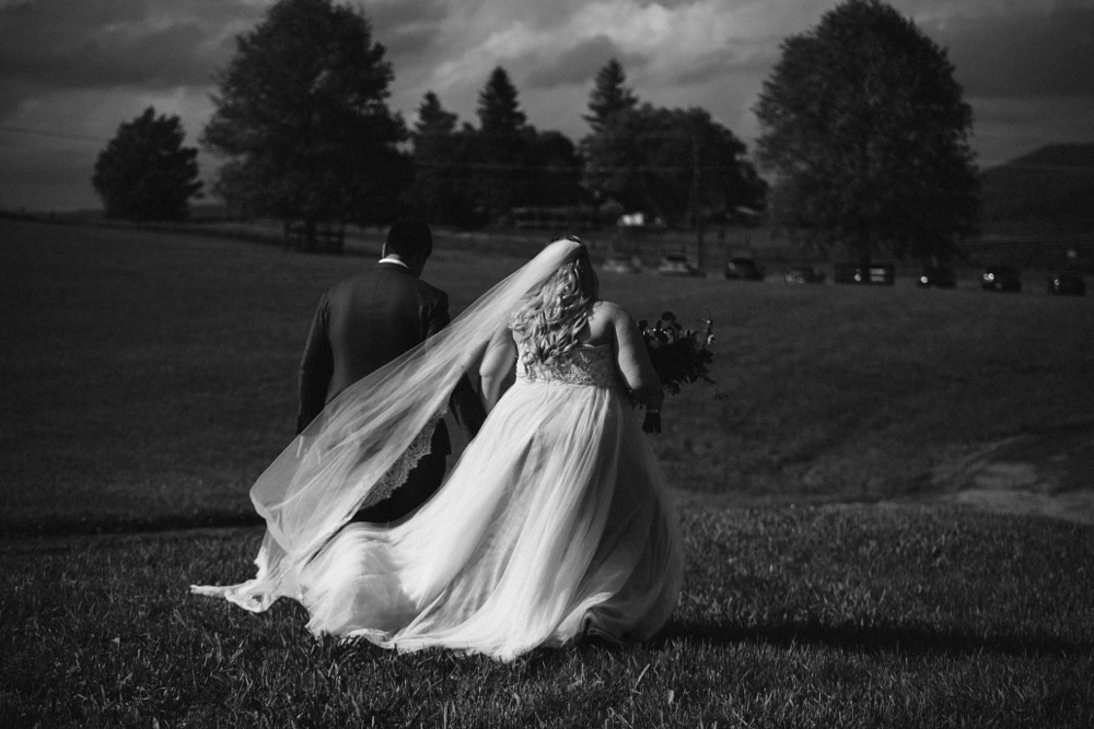 west virginia wedding photography taken at valley view farm