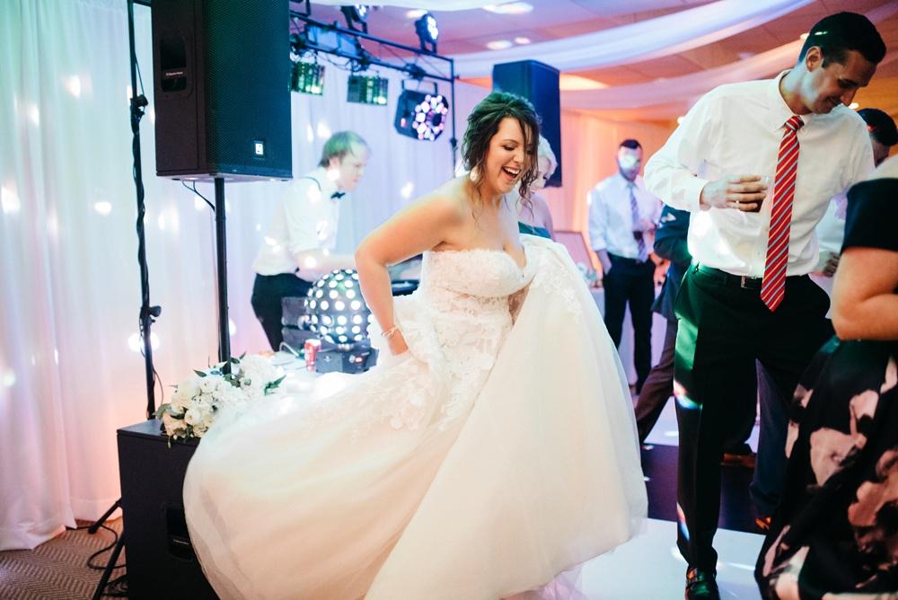 wedding photos taken at snowshoe mountain resort