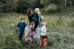 lifestyle family portraits in huntington